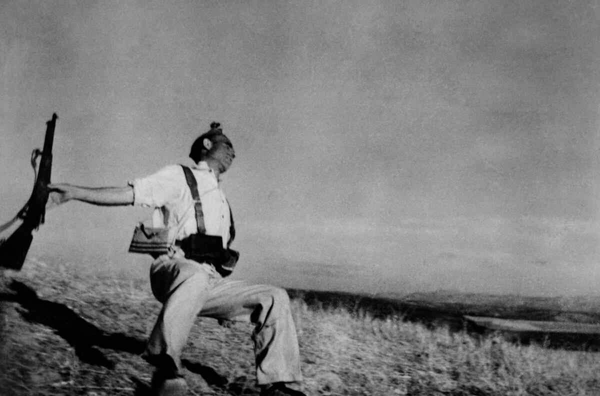 Death of a Loyalist Soldier  Robert Capa