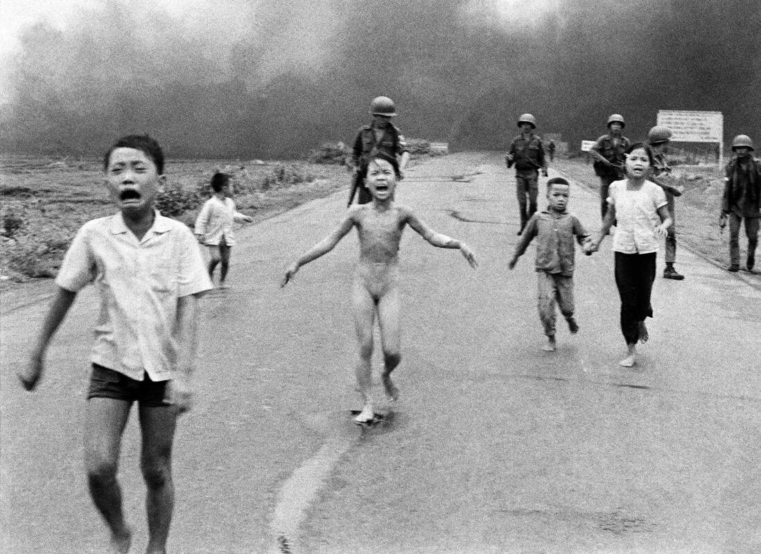 Napalm Attack in Vietnam Nick Ut
