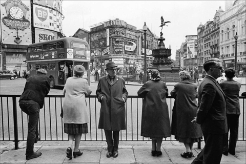 Picadilly Circus, 1964