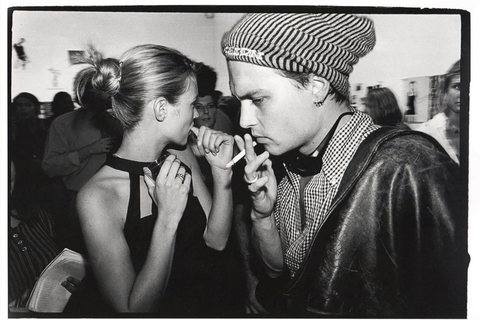 Kate-Moss-Johnny-Depp-James-Danziger-Gallery-New-York-1995_1512 x 1008