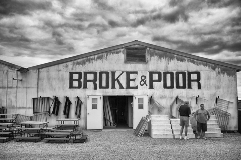 BROKE-&-POOR--klein
