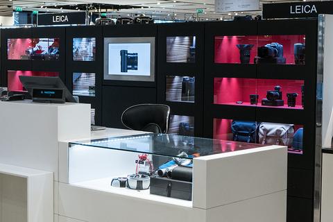 leica store paris galeries lafayette leica stores dans le monde stores revendeurs. Black Bedroom Furniture Sets. Home Design Ideas